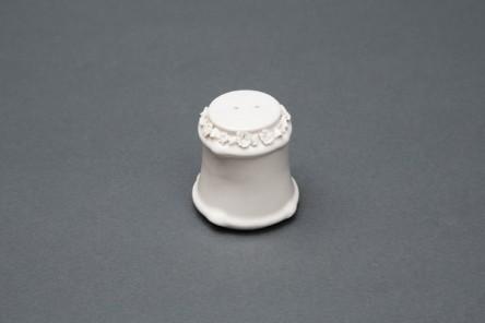 Capodimonte porcelain saltbox for Aggiunte di saltbox house